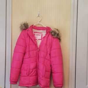 Girls puffer coat with attached hood 8/10